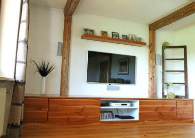 Sieboard aus Holz