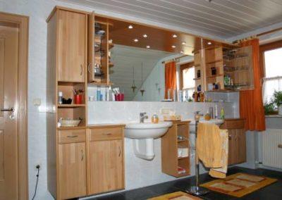 Badschränke aus Holz