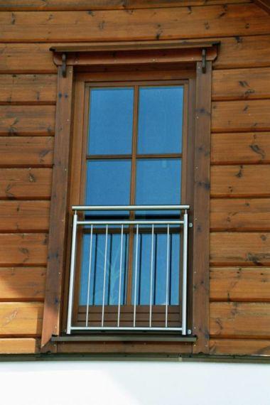 Fenster mit französischem Balkon